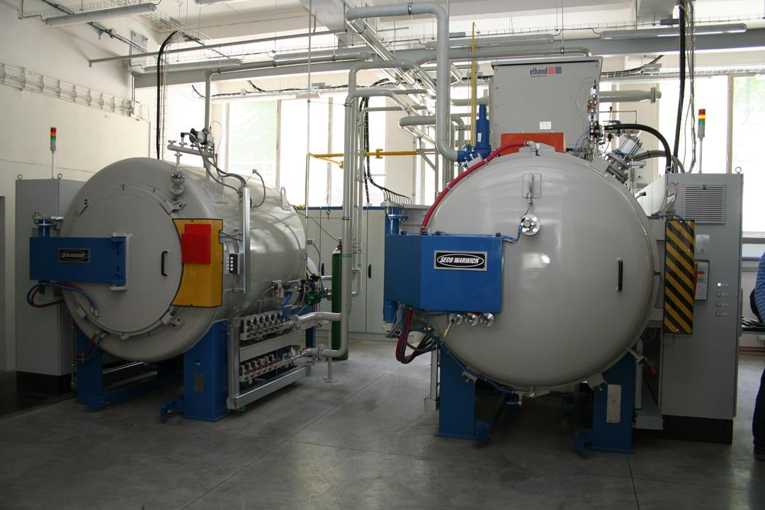 Vacuum furnace with Low Pressure Carburizing