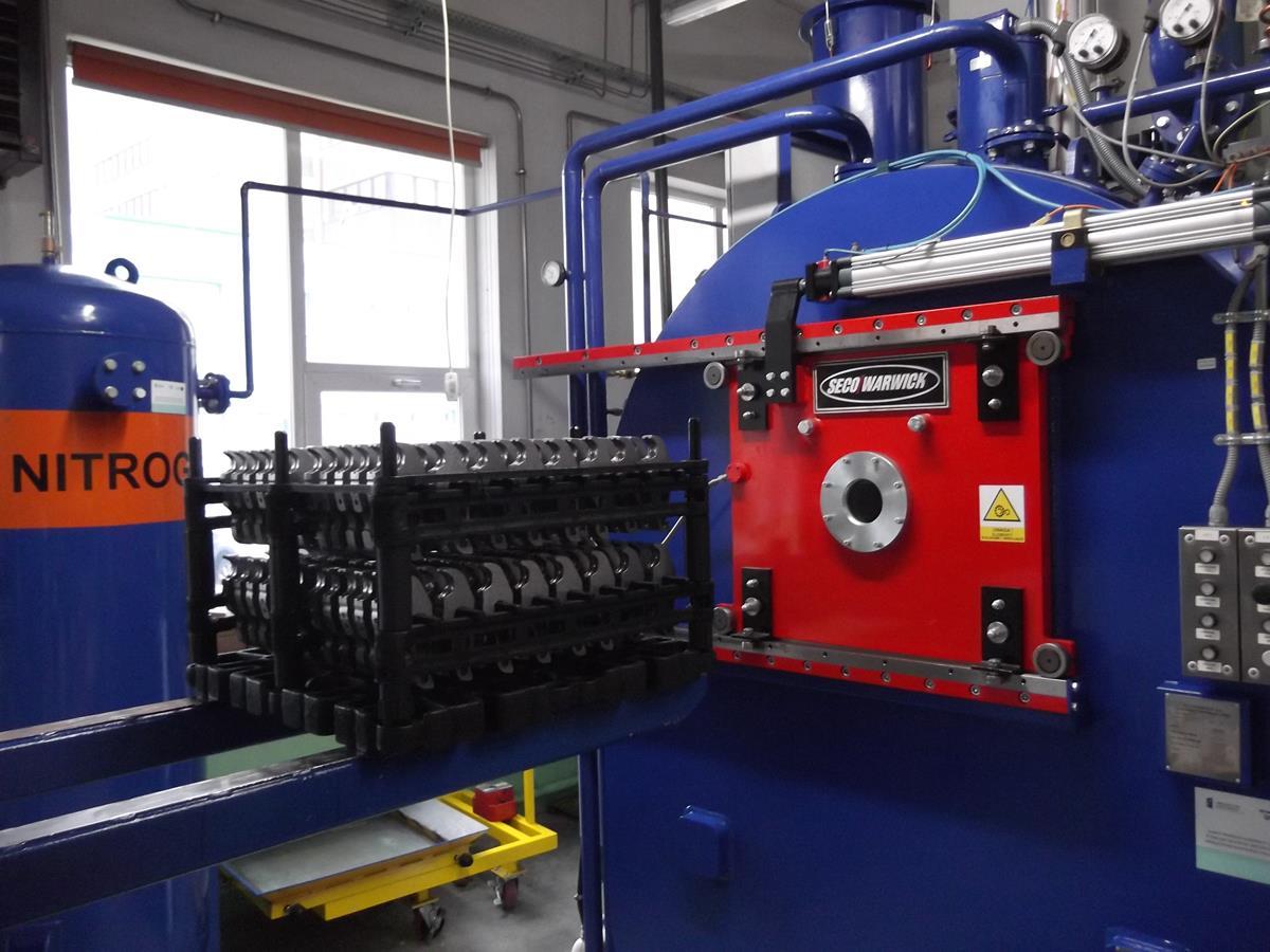 Case CaseMaster Evolution D6 do nawęglania próżniowego i hartowania w oleju