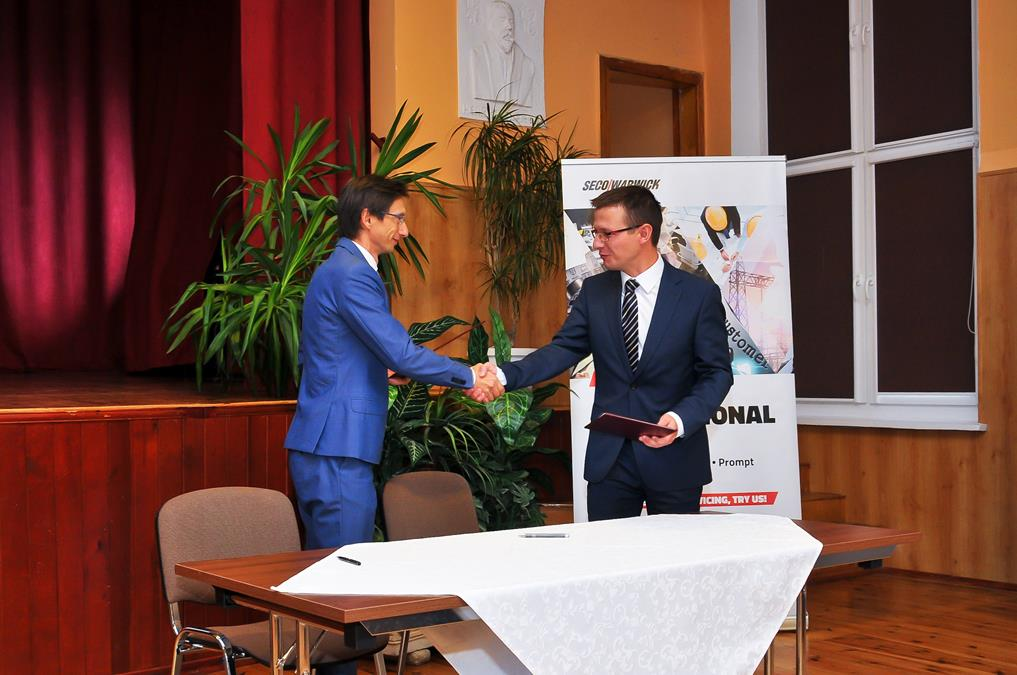 SECOWARWICK has entered into the cooperation with another High School
