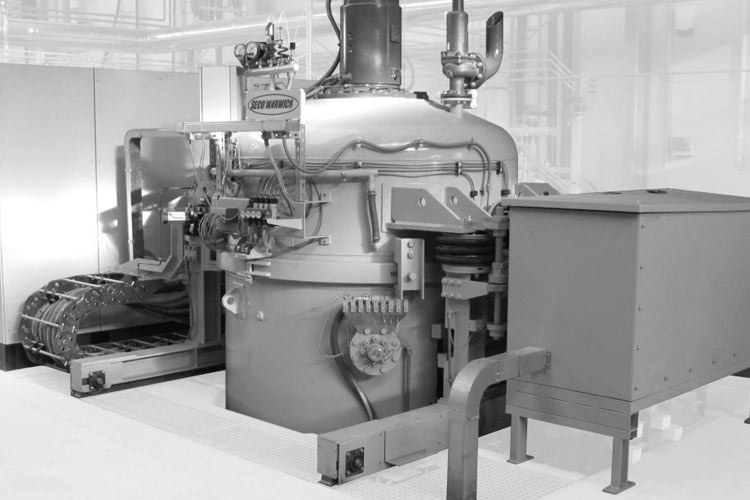 шахтная вакуумная печь для цементации